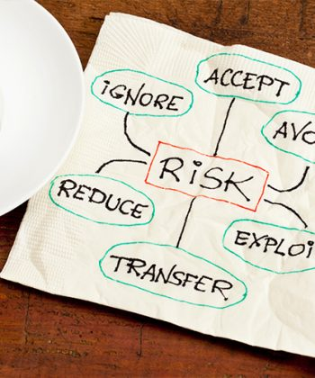 כיצד קובעים רמת סיכון פיננסי ונשארים עם יותר כסף ביד?