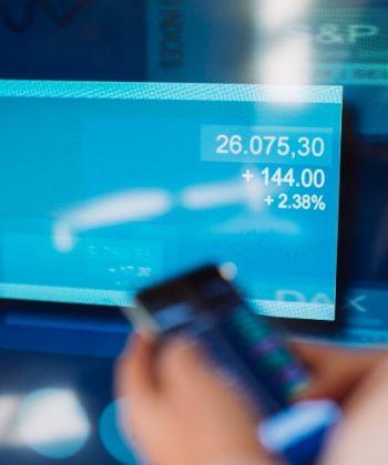 שבוע חזק בשווקי המניות העולמיים: שיאים חדשים בוול סטריט